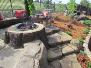 stonemakers-log-firepit